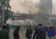Aksi Demo Mahasiswa di depan gedung DPR
