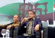 Dede Yusuf Macan Effendi dan Angger Yuwono dalam sebuah diskusi