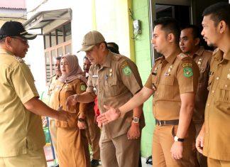 Wakil Wali Kota Medan Akhyar Nasution Menyalami para Camat dan Lurah se kota Medan