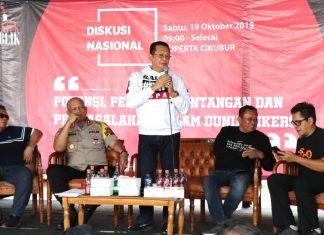 Bambang Soesatyo Saat Menjadi Pembicara dalam Diskusi Nasional Bersama Bikers
