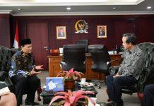 Hidayat Nur Wahid bersama Jhon Chen
