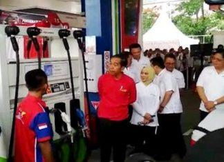 Jokowi Tinjau SPBU Menggunakan B40