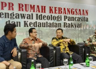 Bambang Soesatyo bersama Teras Narang dan M Qodari dalam diskusi Empat Pilar MPR