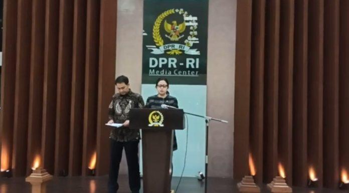 Puan Maharani di Dampingi Aziz Syamsuddin Saat Jumpa Pers
