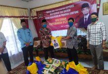 Abdul Hakim Bagikan Bansos Covid-19 di Lampung