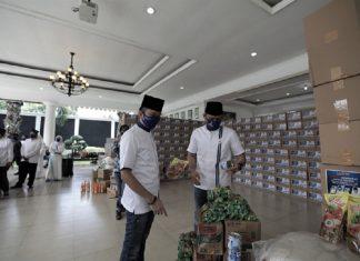 Ibas dan AHY Mengecek Paket Sembako Anggota DPR Fraksi Demokrat