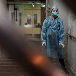 Tim Medis Hongkong Usai Mengecek Kondisi Pasien Covid-19