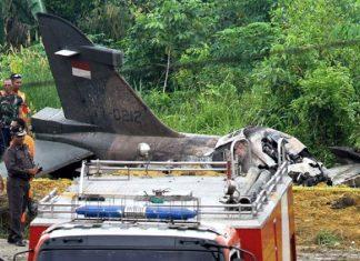 Pesawat tempur TNI AU jenis Hawk 200 jatuh di daerah Kampar, Riau