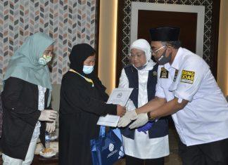 Jaziul Fawaid Menyambut Kedatangan Eti binti Toyib Anwar di Ruangan VIP, Bandara Soekarno Hatta