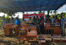 TNI-Polri di Papua Musnahkan Ribuan Botol Miras