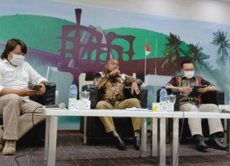 Yan Mandenas dalam diskusi soal Bagaimana Nasib Otsus