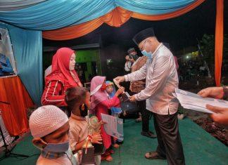 Akhyar Nasution Memberikan Santunan kepada Anak Yatim