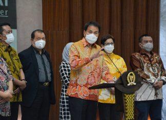 Azis Syamsuddin bersama Pimpinan Baleg dan Ketua Fraksi DPR RI Saat Jumpa Pers