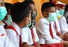 Siswa Memakai Masker Saat di Sekolah