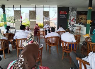 Anis byarwati Berdiskusi dengan Dewan UKM DKI Jakarta
