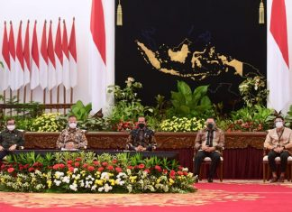 Jokowi bersama Bambang Soesatyo dan Menteri Terkait Buka Pameran IIMS 2021