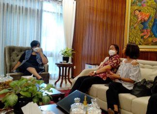 Lestari Moerdijat bertemu Purwacaraka dan Trie Utami
