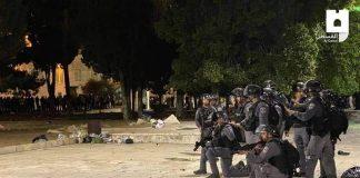 Tentara Israel Menyerang Masjid Al Aqsa