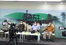 Faisol Riza bersama Eko Cahyono dalam diskusi Dialektika Demokrasi