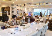 Bambang Soesatyo bersama Rektor Universitas Budi Luhur