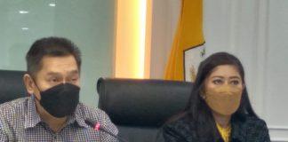 Adies Kadir dan Meutya Hafid saat jumpa pers