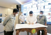 Menteri Pertanian Syahrul Yasin Limpo didampingi Dirjen Hortikultura Prihasto Setyanto menyaksikan Managing Director PT EWINDO Glenn Pardede menandatangani naskah kerjasama lintas
