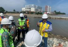 Irwan Meninjau Proyek Pengerjaan Sungai Ampal di Balikpapan
